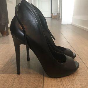 Steve Madden ankle strap, open toed heels